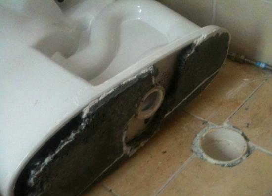 坐便器漏水什么原因,坐便器漏水维修方法是什么?