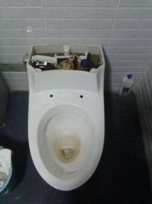 铜陵洗手间漏水原因_水电池漏水的原因及解决办法